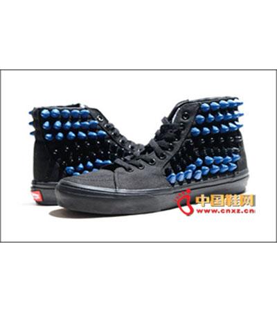 资讯生活潮品牌 VANS×DISSBORN 推出联乘铆钉鞋款