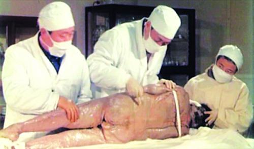 汉代女尸不腐之谜大揭秘千年女尸复活走出古墓